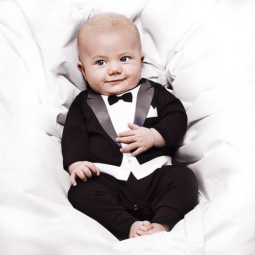 Pyjama grenouillère version smoking pour bébé